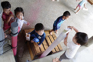 パイプ。ー②ー - 陽だまりの小窓 - 菊の花幼稚園保育のようす