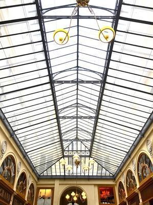 パリのパッサージュ・ヴィヴィエンヌが、ブリュッセルのギャルリー・サンチュベールと姉妹アーケードに! - keiko's paris journal <パリ通信 - KSL>