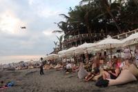チャングーの夕日とビーチクラブ - かなりんたび