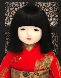 可憐で無垢な市松人形 - ライブ インテリジェンス アカデミー(LIA)