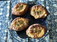 ポルチーニ茸のグラタンブレッドと鰆のアクアパッツァ - カフェ気分なパン教室  *・゜゚・*ローズのマリ