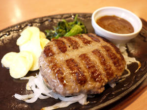 All Beef ハンバーグ ~デミグラスソース 【藤沢 デニーズ(Denny's)】 - ぶらり湘南