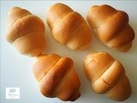 ペリカンのロールパンでホットドッグ - 人形町からごちそうさま
