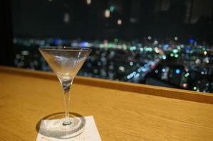 神戸、雨の夜 - 絵を描きながら