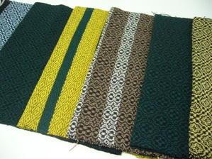 オーバーショット織り上がり - アトリエひなぎく 手織り日記