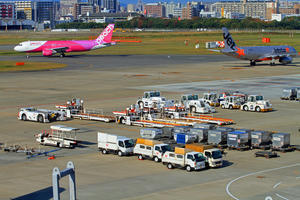 只今福岡飛行場。 - 江戸川ブログ