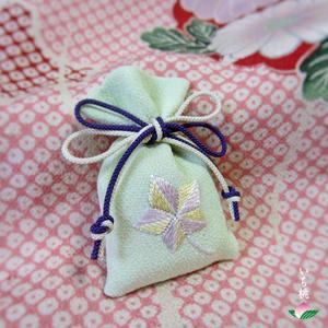日本刺繍と図案 いち桃