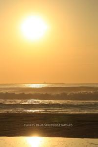 千鳥カシラ??(Early autumn sea・Ⅳ) - FUNKY'S BLUE SKY