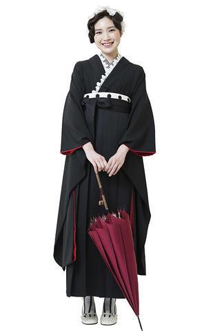 黒無地着物×黒袴 スタイリッシュな卒業式袴がかっこいいです。 - それいゆのおしゃれ着物レンタル