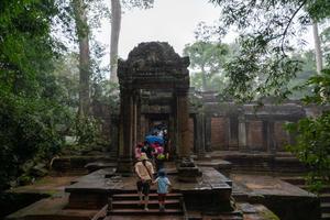 夏旅2019 悠久の歴史を巡るカンボジアの旅 その5 タ・プローム、プレループで、シゼンノチカーラ - そら いろ  うみ いろ