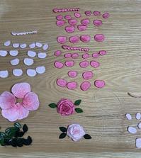 立体刺繍は手縫いです - Atelier Chou