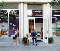 SOHOにあるCBD専門店、The 420店頭の様子 - ニューヨークの遊び方