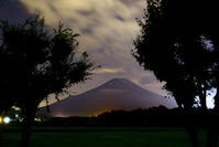 令和元年9月の富士(26)花の都公園夜空の富士 - 富士への散歩道 ~撮影記~
