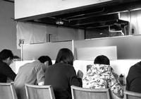 ラーメン店内とライカIIICのアクセサリシュー調整 - 照片画廊
