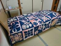 ベッドカバー形になりつつ - グランマの戯れ