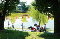 猿沢池の畔 - tonbeiのはいかい写真日記