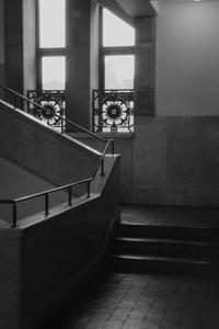 階段と窓 - 散歩と写真
