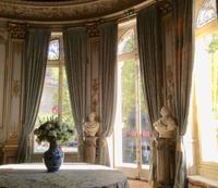 パリの美術館 - BLEU CURACAO FRANCE