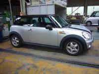 mini (R56) エンジンオイル漏れ修理(オイルポンプソレノイド交換) - 掛川・中央自動車