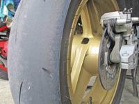 H川サン号 GPZ900Rニンジャのタイヤ交換!・・・からの2号機でプラつき♪ - フロントロウのGPZ900Rニンジャ旋回性向上計画!