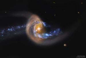ハッブル宇宙望遠鏡が捉えたうお座の衝突銀河銀河Arp284 - 秘密の世界        [The Secret World]