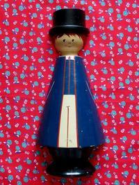 スウェーデンの民族衣装の壁掛け人形 - Der Liebling ~蚤の市フリークの雑貨手帖3冊目~