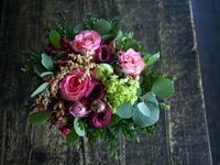 お誕生日の女性へのアレンジメント。「秋らしい色合い」。2019/10/07。 - 札幌 花屋 meLL flowers