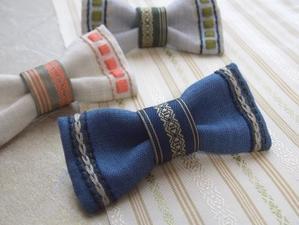 『博多織と刺繍でつくるリボンブローチ』♪ - 手刺繍屋 Eri-kari(エリカリ)