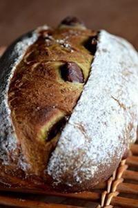 かぼちゃと山栗のカンパーニュ - 森の中でパンを楽しむ