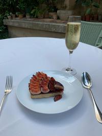 ホテルのテラスでティータイム ~L'hôtel La Mirande, Avignon ~ - おフランスの魅力