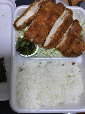 浅草駅界隈-「とんかつ いとう」でロースカツ弁当 - 「美味しい!」が好き