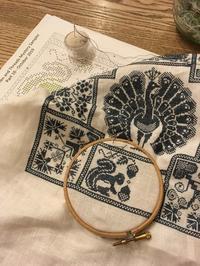 Linen and Threads Mystery Sampler 16 - いとの色