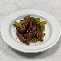 残りの牛肉で何つくる?アスパラとオイスターソース炒め - おひとりさまの「夕ごはん」