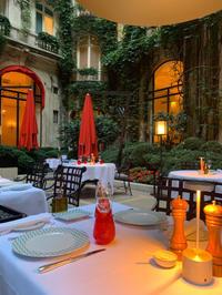 ホテルのテラスでお食事を ~La Cour Jardin, Hôtel Plaza Athénée, Paris~ 2019年8月 - おフランスの魅力