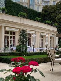 ホテルのテラスでお食事を ~Le jardin français, L'hôtel Le Bristol Paris~2019年8月 - おフランスの魅力