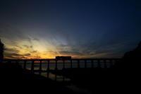 日没後の惣郷橋梁2019年10月28日 - 鉄道日和