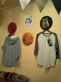 MotherTreeさん展示会【おかえり。】関西つうしんでの展示は11月3日(日)迄!インコと鳥の雑貨展始まりました - 雑貨・ギャラリー関西つうしん