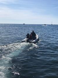 南イタリアユキキーナツアー4日目②アマルフィの海をゴムボートで駆ける。 - ユキキーナの日記