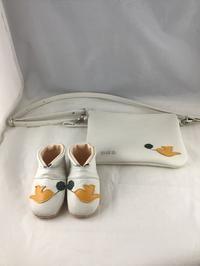 母子手帳ポーチとベビーシューズ - jiu sandals & baby shoes
