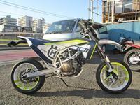 K西サン号 ハスクバーナ701SMのブレーキパッド交換&スプロケット交換・・・(^^♪ - バイクパーツ買取・販売&バイクバッテリーのフロントロウ!