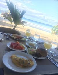 ウィリーズロックを眺めながら朝食 - かなりんたび