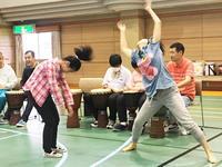 少数民族魂の踊りなり - ハローハロー、こちら 即興楽団UDje( ) ブログです。