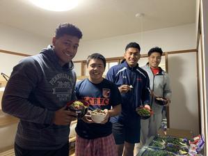 """差し入れ夜食Night に高知名物登場! - 高知中央高校ラグビー部 SAMGUYS      """"ラグビー魂"""""""