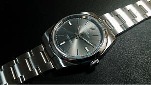 ROLEXオイスターパーペチュアル39(114300)ダークロジウム - 伏せ字だらけ~よもやま時計ブログ~