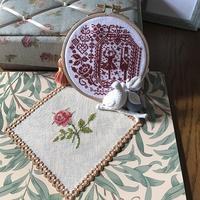一日体験教室のお知らせと、完成したクリスマスの刺繍2つとバラのハーダンガードイリー - Oharibako no yousei