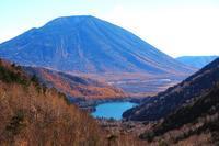 これぞ青天の霹靂?♪ 金精峠から望む「湯ノ湖」と男体山、更に赤城「覚満渕」も♪ - 『私のデジタル写真眼』