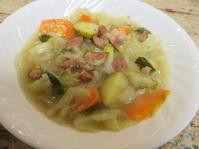 残ったハムでキャベツのスープ - フレンチ of バージニア