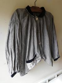 早川ユミさんのみつばちぶらうすジャケット - 器ギャラリー あ・でゅまん