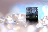 インディゴライト&グリーントルマリン - 菫青石に天の川 小さな庭から地球を眺める