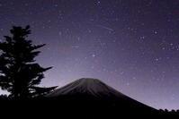 令和元年12月の富士(3)富士ヶ嶺星空と富士 - 富士への散歩道 ~撮影記~